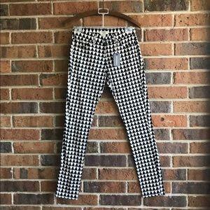 B&W Geometric Print Skinny Pants